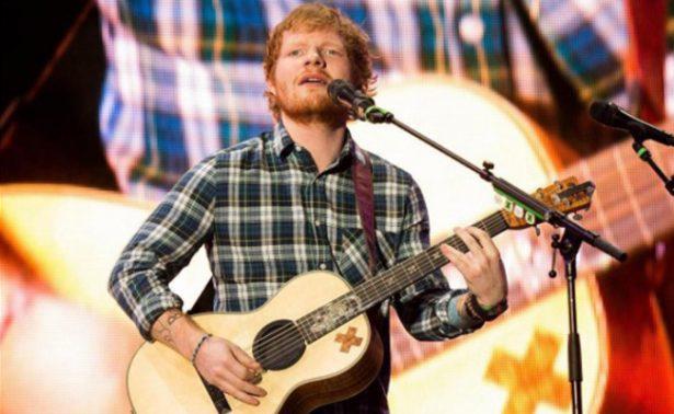 Ed Sheeran está locamente enamorado; anuncia que se casará