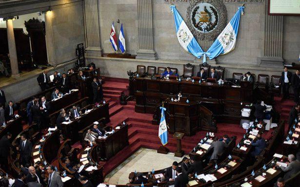 Congreso blinda a presidente de Guatemala e impide investigación por corrupción