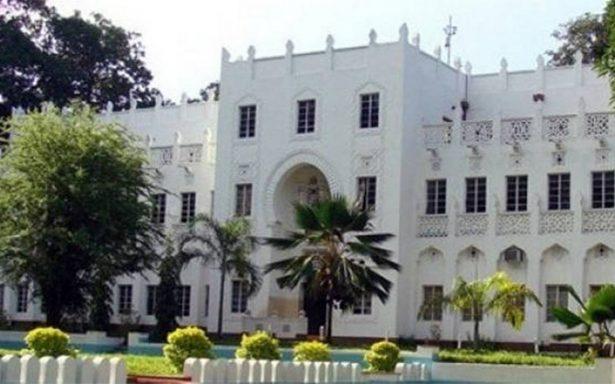 Atacan universidad de Kenia, hay dos muertos y estudiantes heridos