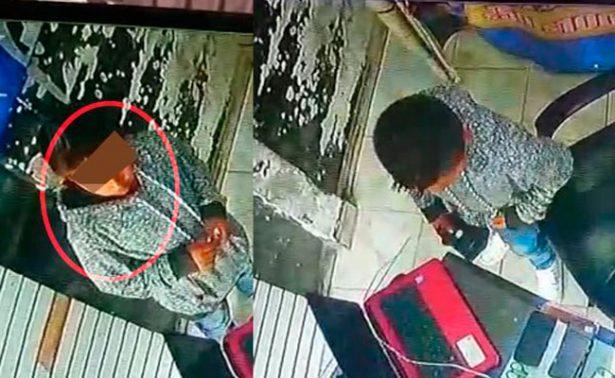 [Video] ¡Niño ladrón! Es maestro en robar celulares