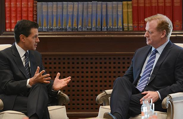 Peña Nieto se reúne con Comisionado de la NFL previo a partido