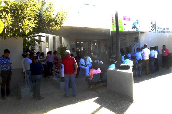Paran labores empleados del ISSSTE en Ometepec