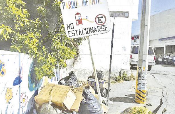 Denuncian que no pasan los camiones recolectores de basura