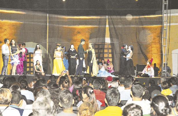 """""""El Carnaval del Fantasma"""" está basado en la obra musical del """"Fantasma de la Opera"""" de Andrew Lloyd Weber."""