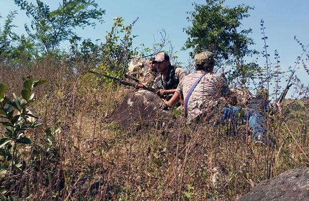 Se enfrentan a balazos FUSDEG y  UPOEG; un muerto y un herido.