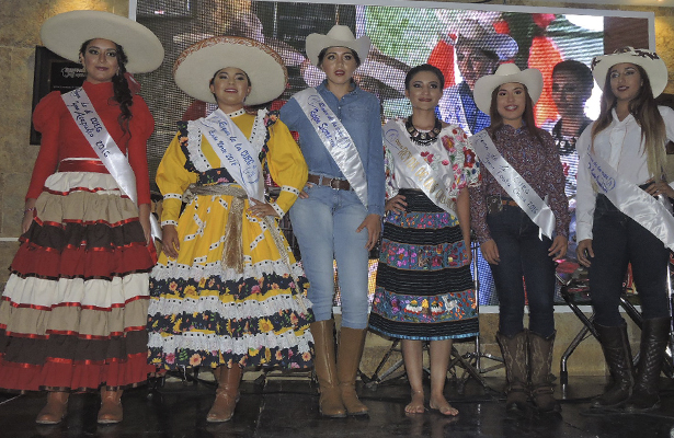 Seis reinas regionales encabezan VI Cabalgata