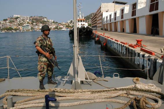 Colabora la Armada con la Fiscalía para esclarecer el crimen de los dos marinos