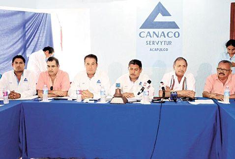 Empresarios demandan apoyos; incumplen autoridades, acusan