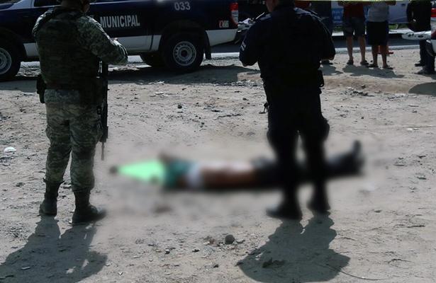 Abandonan cuerpo en la Zihuatanejo-Acapulco
