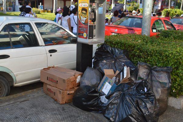 Preocupa a hoteleros tiraderos de basura en la franja turística