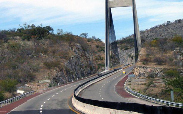 Lamentan turisteros que SCT no aprobara 50% de descuento en Autopista del Sol