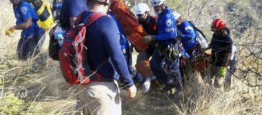 Rescatan cuerpo de un barranco en carretera Taxco-Ixtapan de la Sal