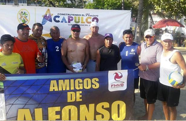 Cancún, Centro Deportivo Israelita y CdeM oro, plata y bronce en 35-40 años.