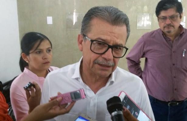 Acepta secretario de salud Carlos De la Peña Pintos escasez de medicamentos en hospitales, pero pide a directores que tienen que ordenarse mejor en la distribución