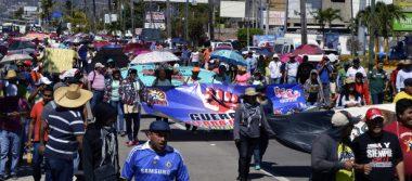 Marcha CETEG en el bulevar de Las Naciones