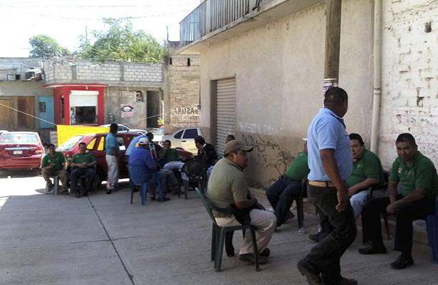 Paran ahora empleados de Vectores en Tlapa