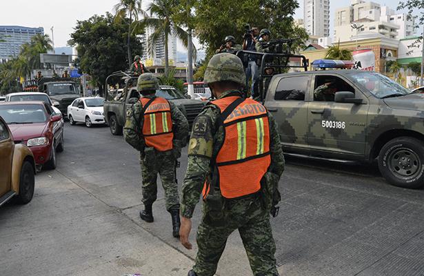 Ejército debe seguir vigilando a la población: Partidos