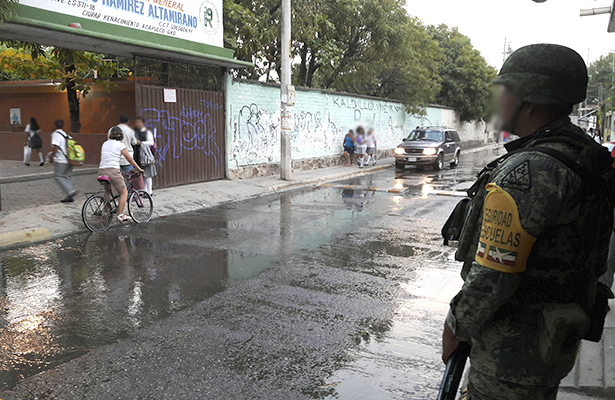 Iniciará ciclo escolar con 200 escuelas resguardadas por militares