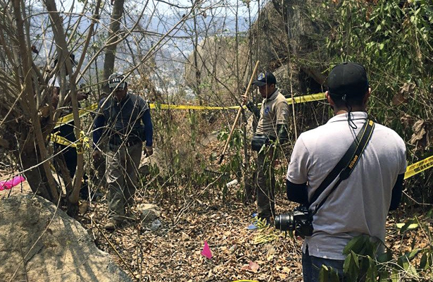 Realizan busqueda de restos óseos en parte alta de Acapulco