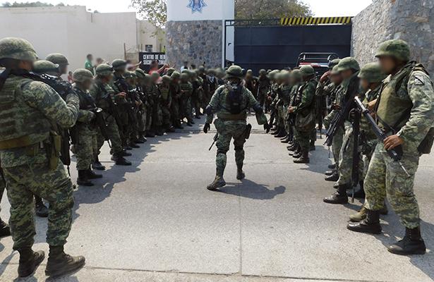 Desarma el Ejército a policías municipales
