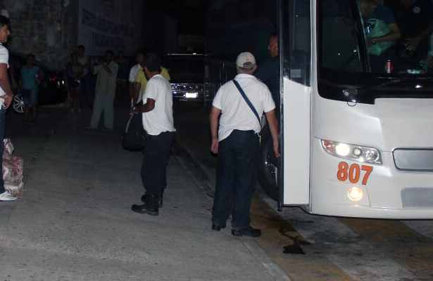Liberan a 31 policías que fueron detenidos en Zihuatanejo