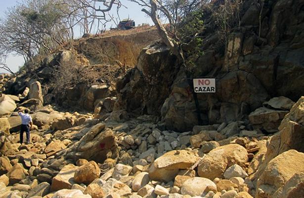 Verifica Profepa dos obras en bahía de Puerto Marqués