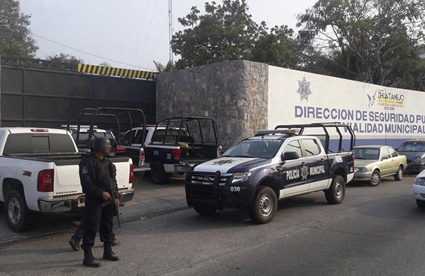 Reconoce el alcalde carencias en la Policía Municipal de La Unión