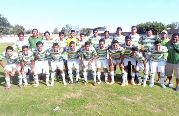 Jardín logró el empate a 1-1 en los botines de Edgar Flores.