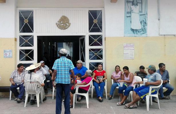 Toman oficinas del ayuntamiento de Iguala