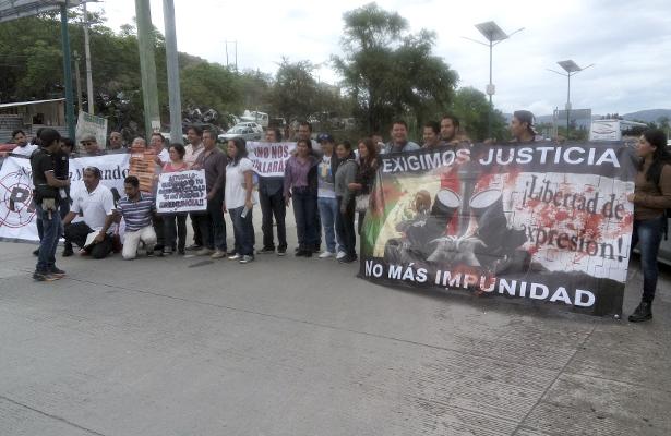 Protestan periodistas en Acapulco y Chilpancingo