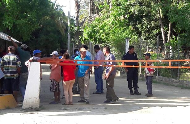 Trabajadores de Saneamiento Básico de Atoyac paran labores