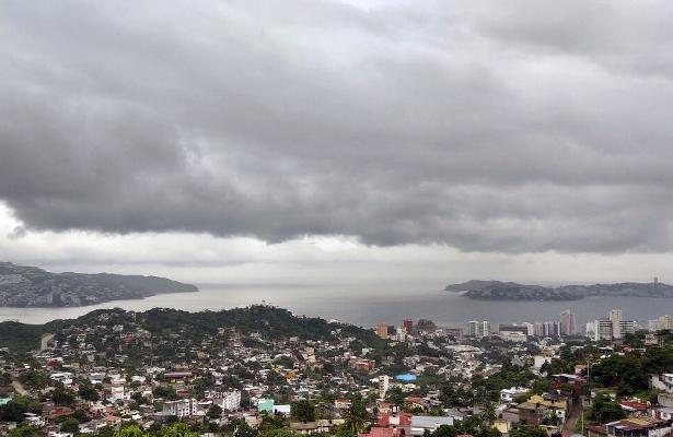 Dos ondas tropicales traerán aGuerrero fuertes tormentas