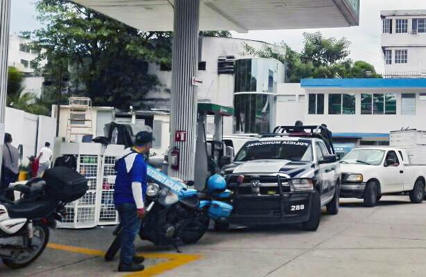 Niegan gasolina a vehículos del ayuntamiento