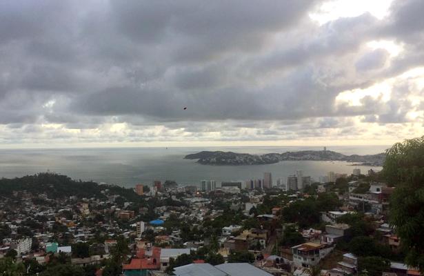 Continúan lluvias por remanentes de Onda Tropical número 31: PC