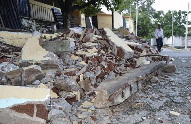 Son más de 61 escuelas con daños estructurales, segura APTE