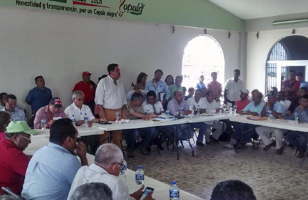Firma acuerdo delegado federal de Sedatu con autoridades municipales del estado