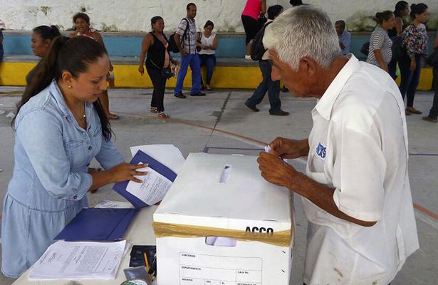 INE inicia sesión de contratación de capacitadores electorales