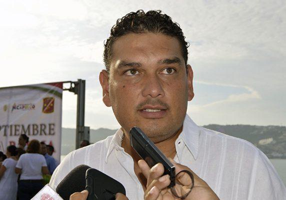 Dan de baja a 45 trabajadores de confianza de Sedesol municipal: Octavio Olea