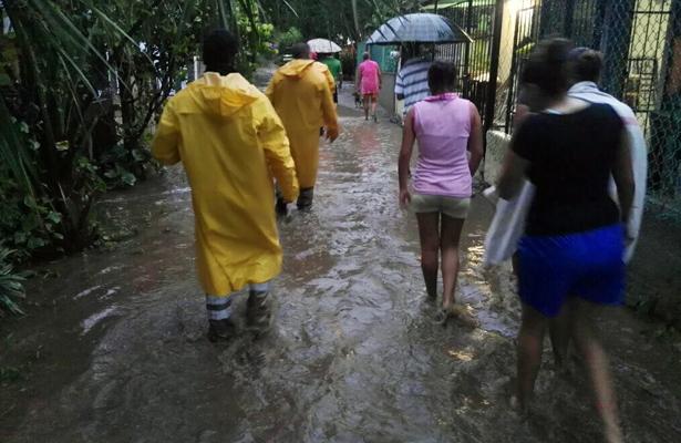 Evacuan a más de 200 personas en San Marcos y Cruz Grande
