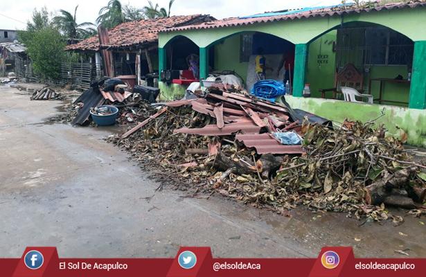 Lleva Sedena apoyo a los municipios de Guerrero más afectados por desastres naturales