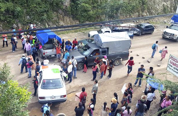 Por segundo día consecutivo, bloquean la carretera Tlapa-Chilapa