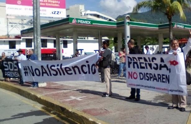 Protestan periodistas de Acapulco por homicidios y agresiones contra comunicadores