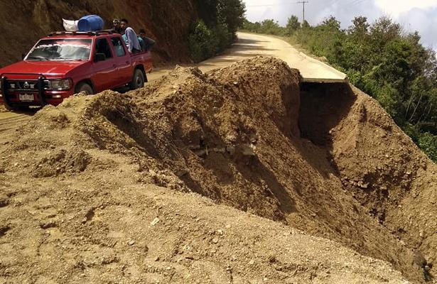 Lluvias dejan instransitables caminos y carreteras en la Costa-Mañana