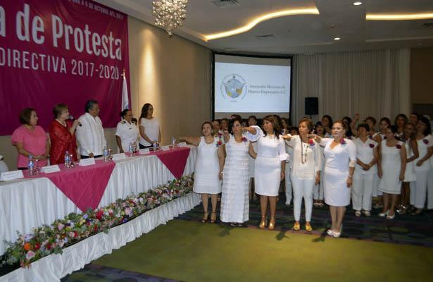 Toma protesta nuevo comité de la Asociación Mexicana de Mujeres Empresarias Capítulo Guerrero