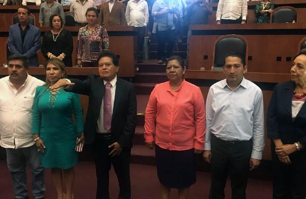 Jesús Tejeda Vargas rinde protesta como presidente municipal suplente de Chilpancingo