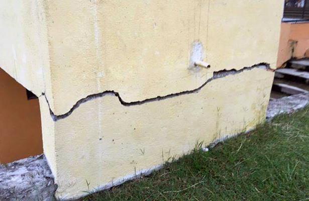 Polideportivo de Chilpancingo con daños en infraestructura tras sismo
