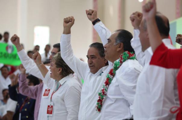 Los compromisos que vienen los vamos a enfrentar de pie, unidos y con lealtad: Héctor Astudillo