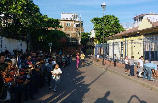 Realizan ceremonia de despedida en la escuela primaria Vicente Guerrero