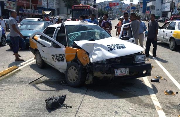 Aparatoso accidente en la avenida Cuauhtémoc