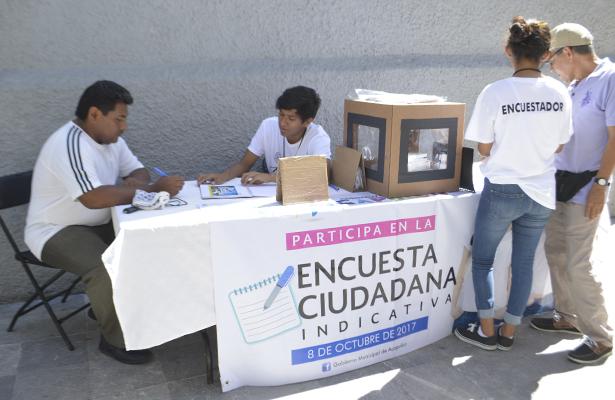 Entre críticas inició la encuesta ciudadana del Ayuntamiento municipal